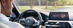 P90278865_highRes_bmw-and-alexa-in-car